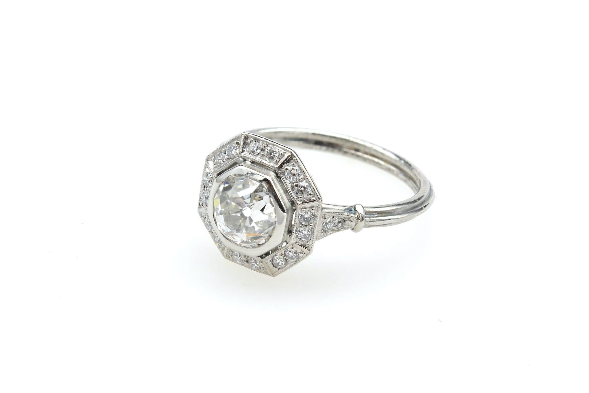 Bague ocotogonale diamants en platine