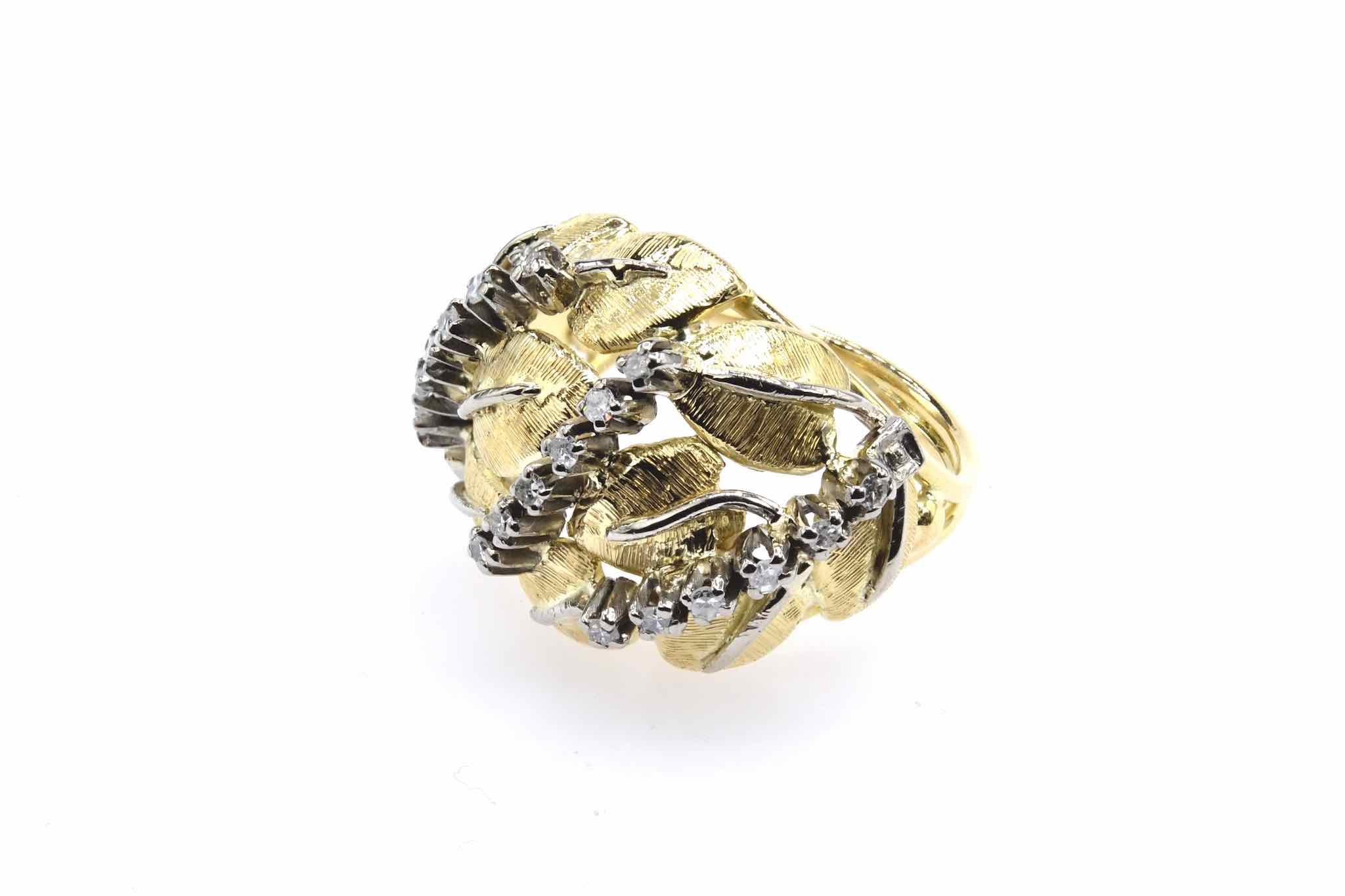Bague diamants et or jaune brossé