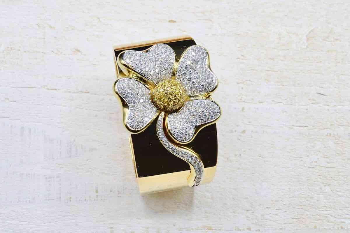 bracelet fleurs diamants