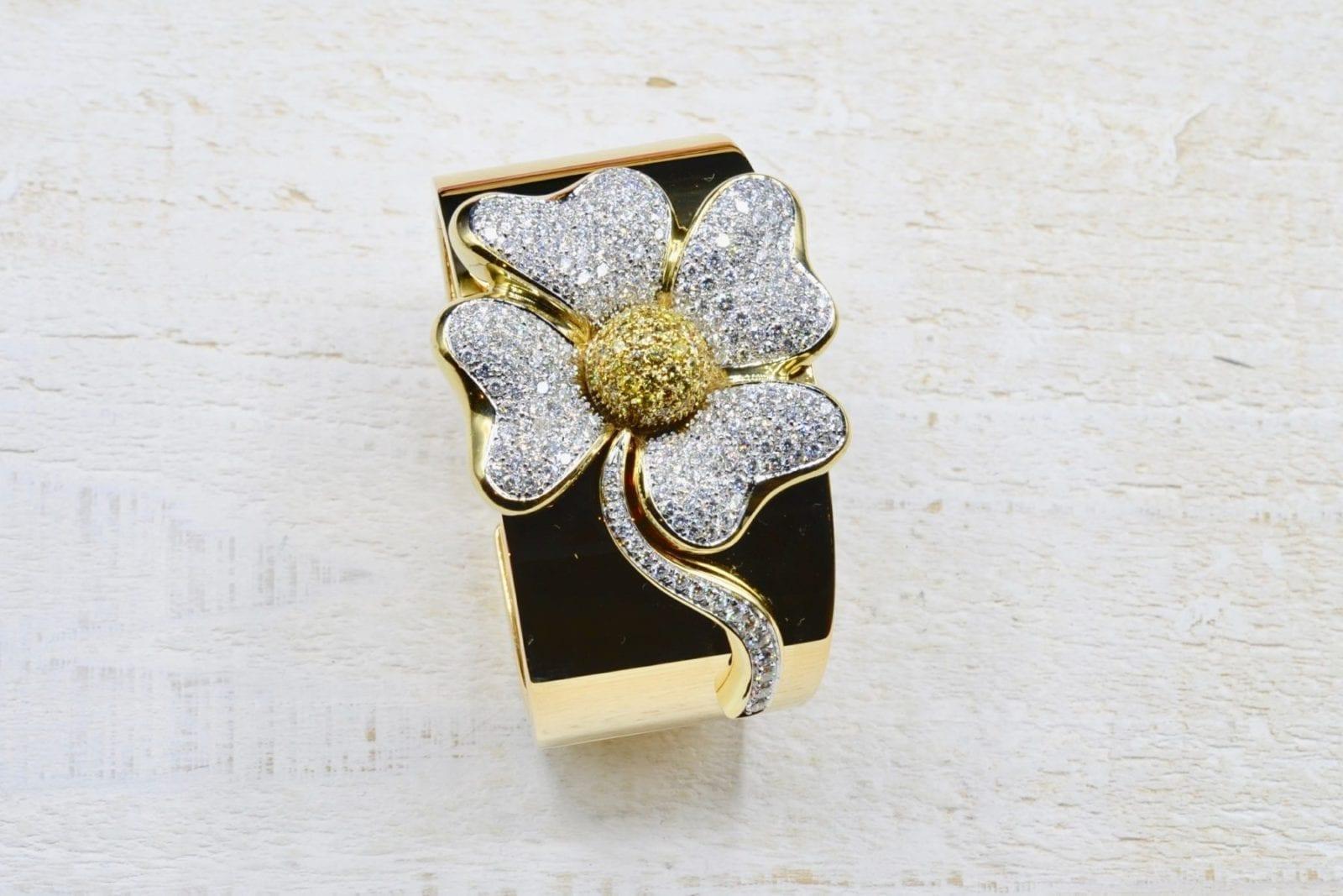 Bracelet manchette diamants en or jaune 18k