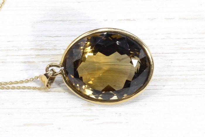 Collier pendentif quartz fumé en or jaune