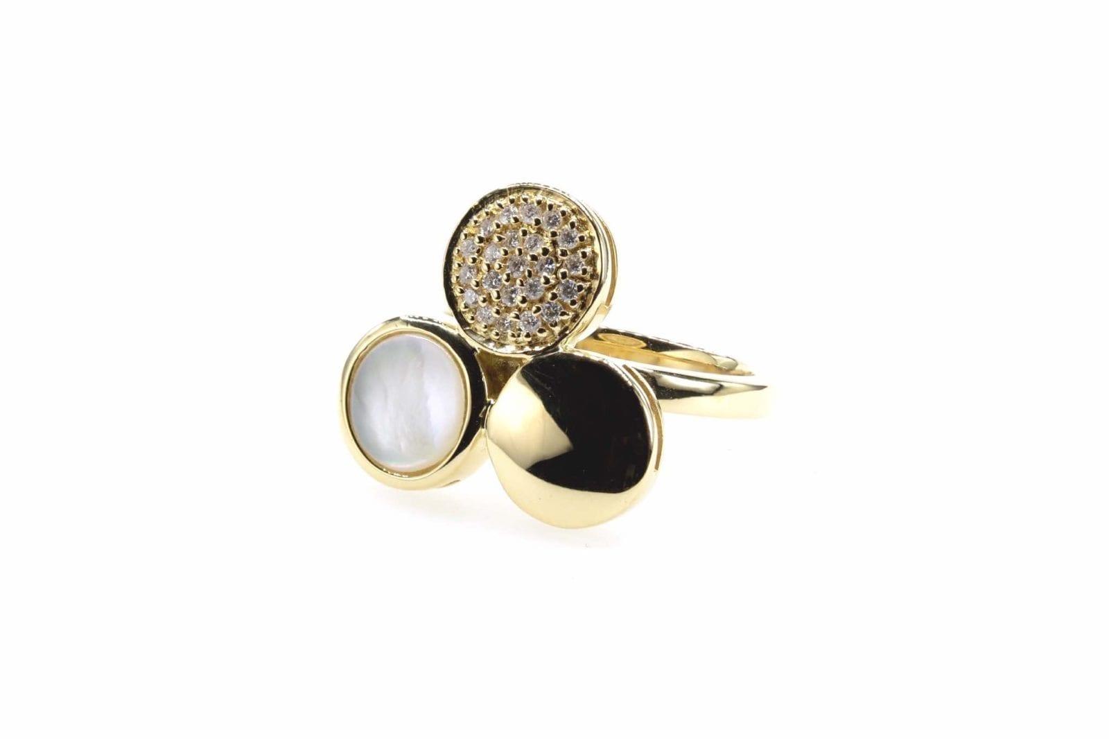 Bague nacre et diamants en or jaune 18k