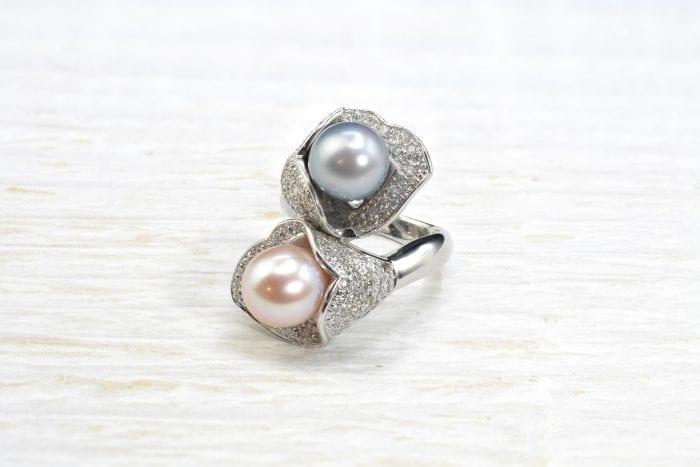 Bague Toi et moi perles et pavage diamants