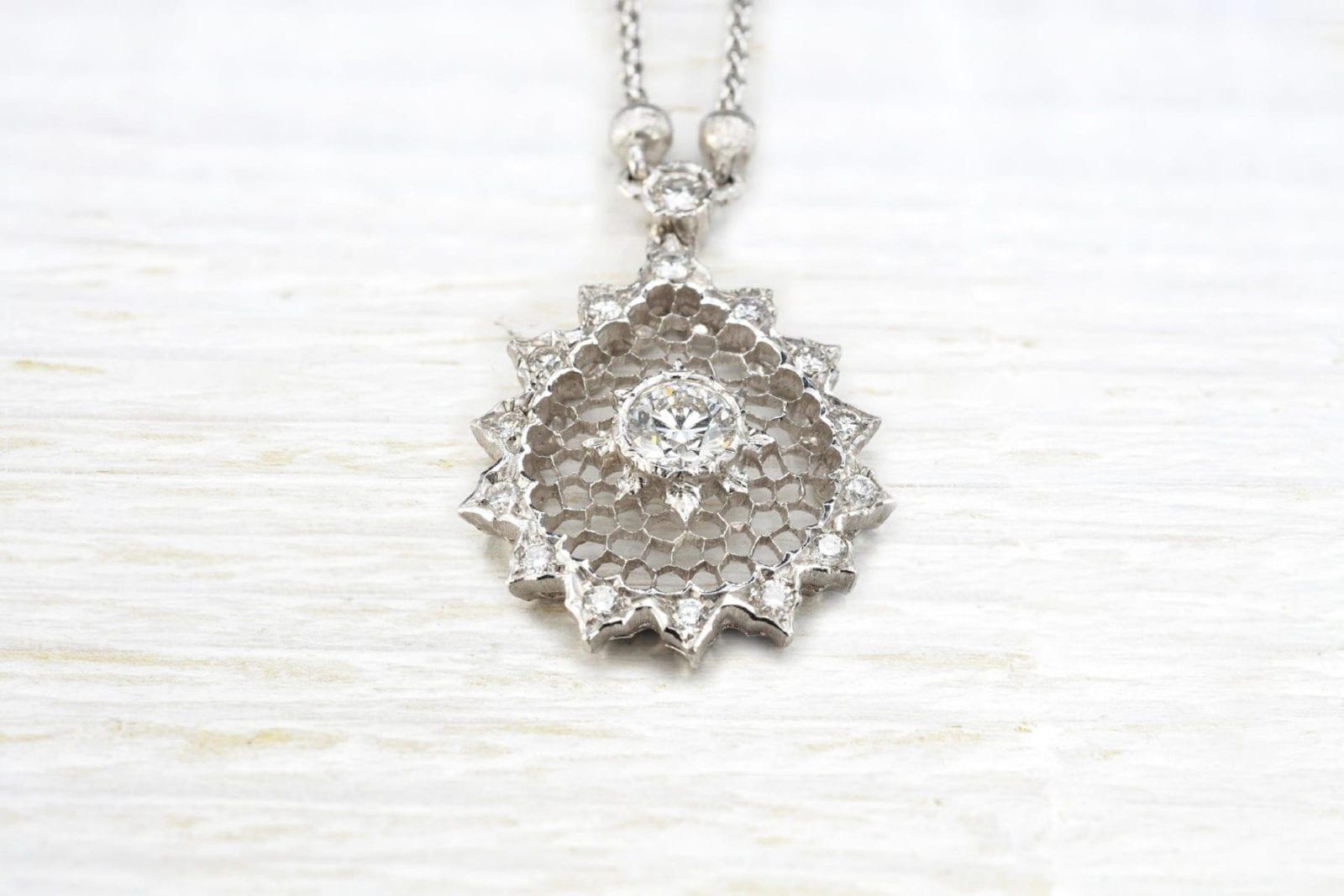 Collier et pendentif diamant signé Buccellati