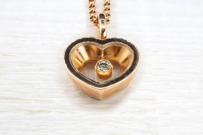 Collier et pendentif coeur signé Chopard