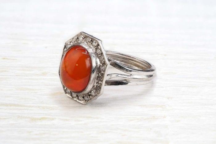 Bague ancienne opale de feu et diamants