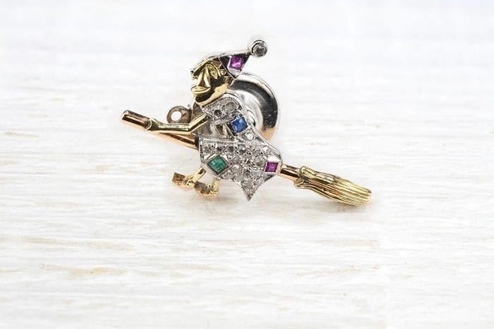 Broche pin's sorcière saphir, rubis et diamants