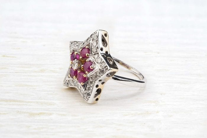 Bague rubis et diamants en or 18k