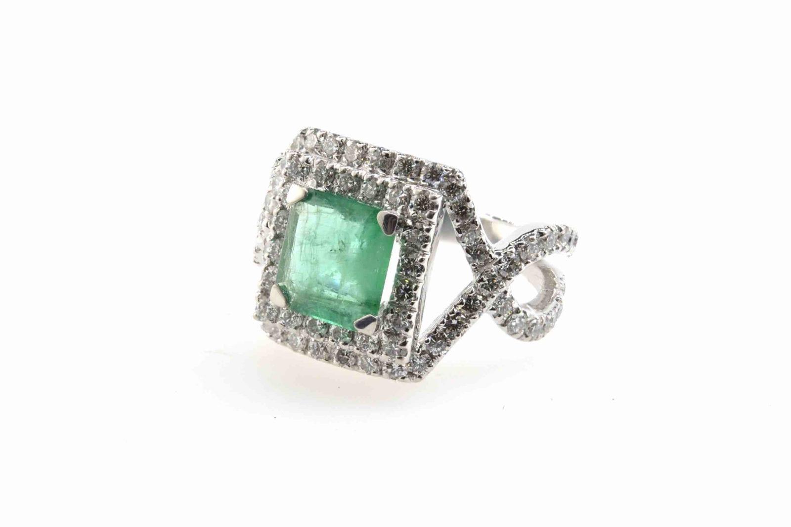 bague émeraude diamants