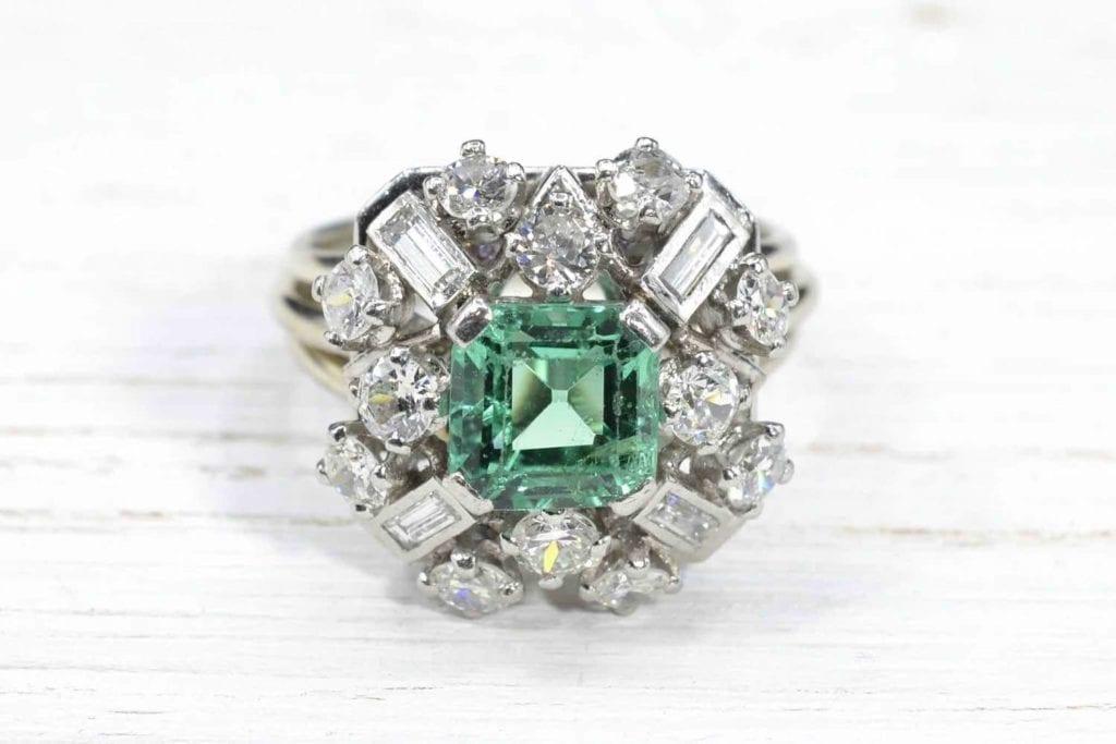 bague émeraude diamants 1950