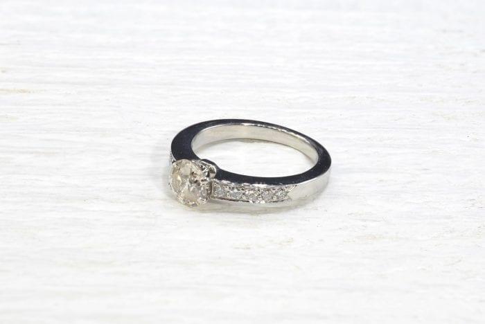 Bague solitaire diamant en platine d'occasion