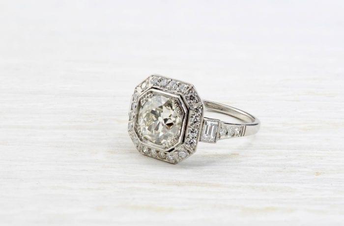 Bague vintage octogonale diamants et platine