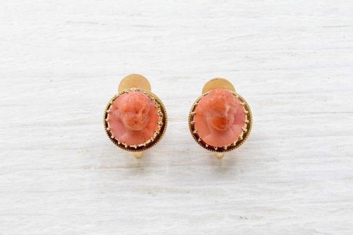 Boucles d'oreilles corail en or jaune 18k