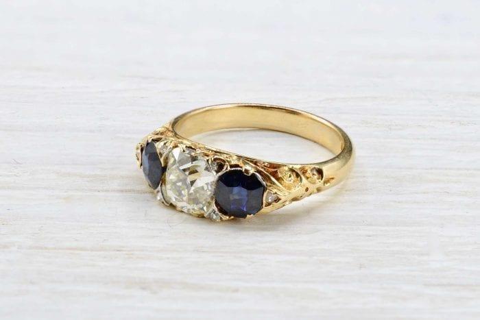 Bague 1900 diamant et saphirs en or jaune 18k