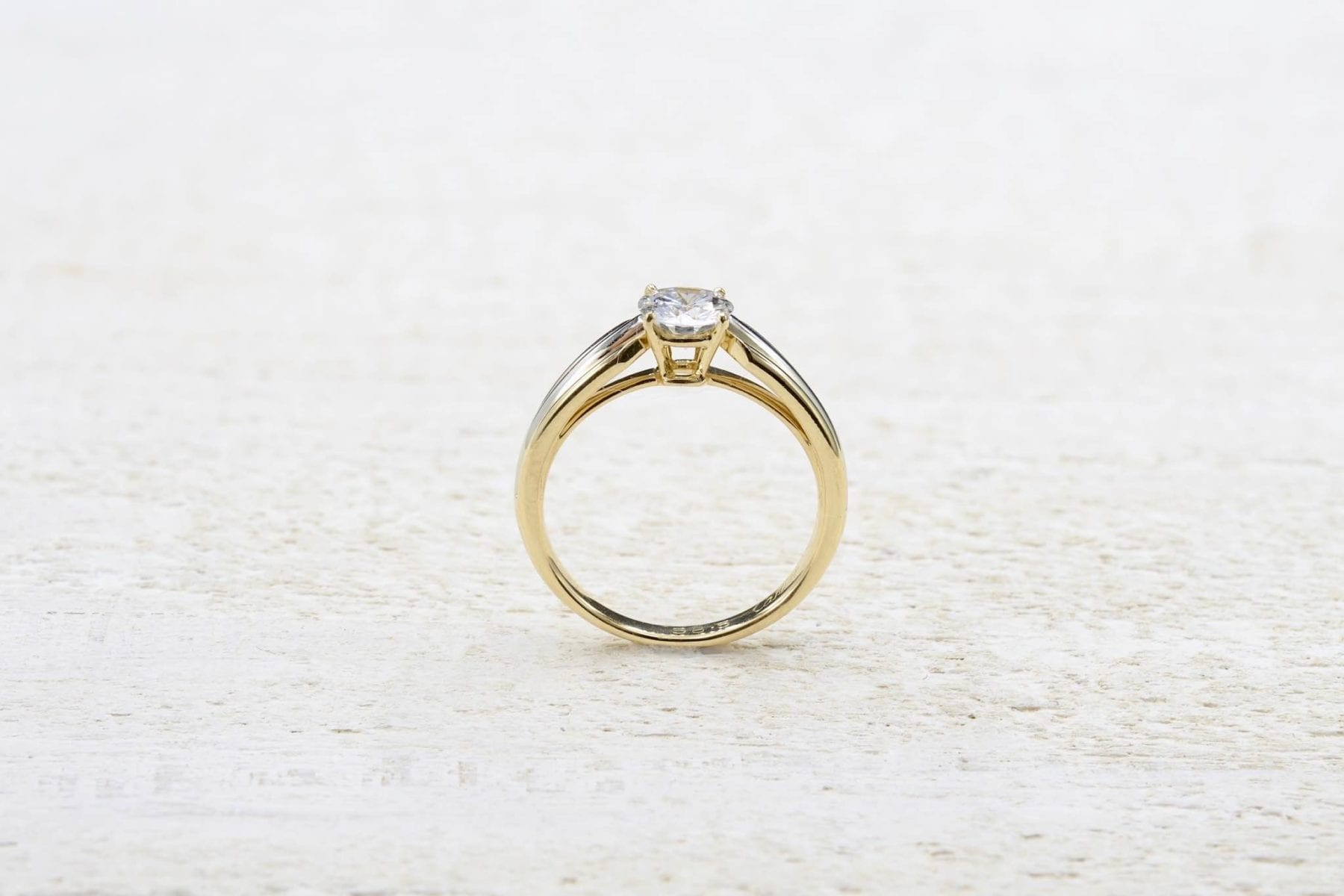 Solitaire diamant ancien or jaune 18k