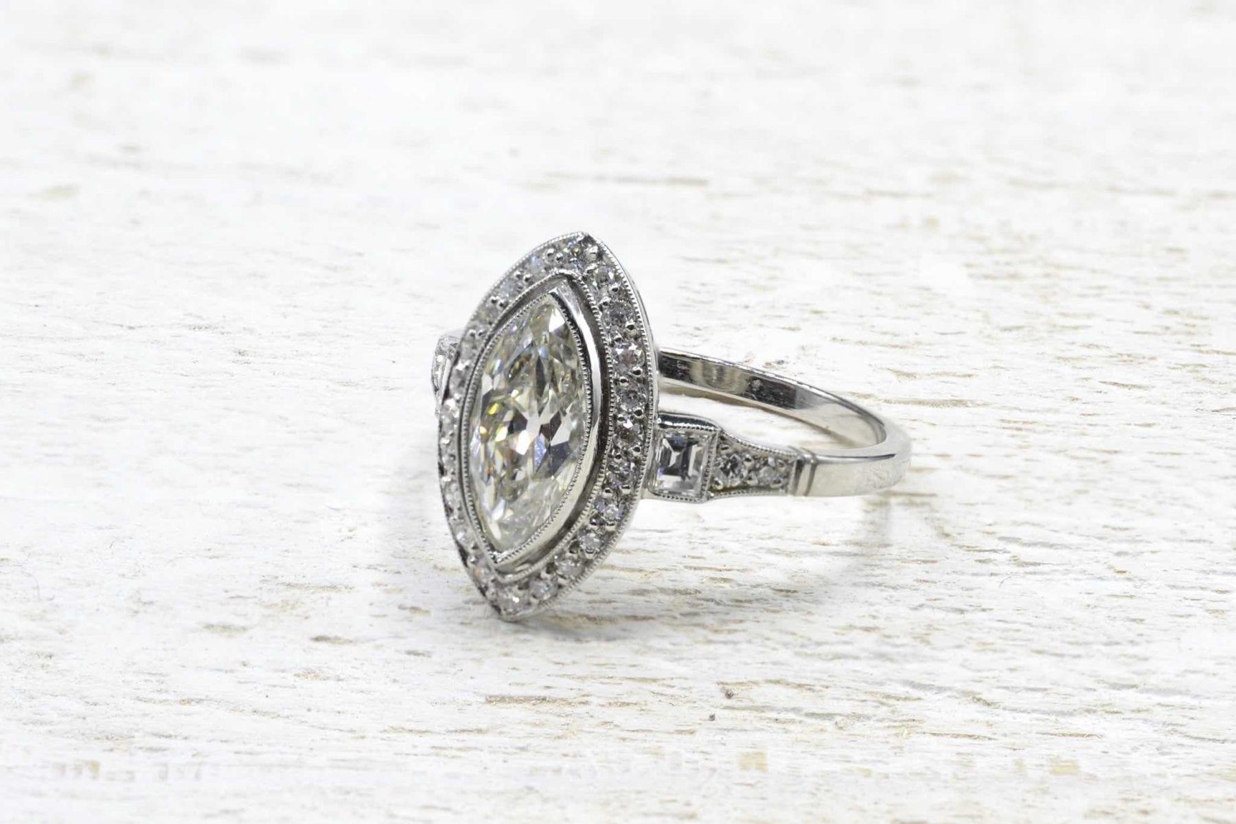 bague diamant de taille navette