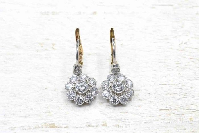 Boucles d'oreilles dormeuses diamants en platine