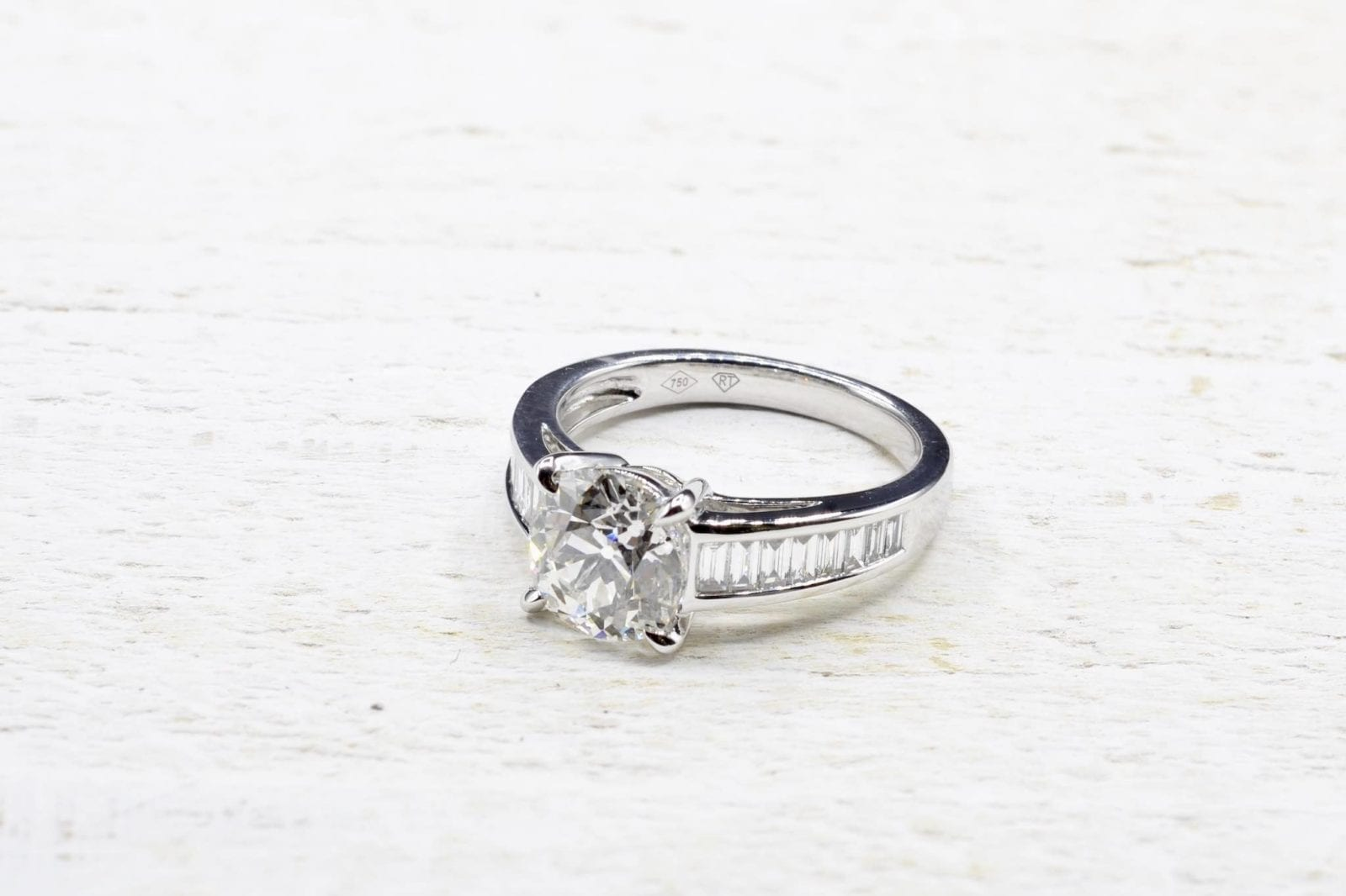 Bague solitaire diamant en or blanc 18k
