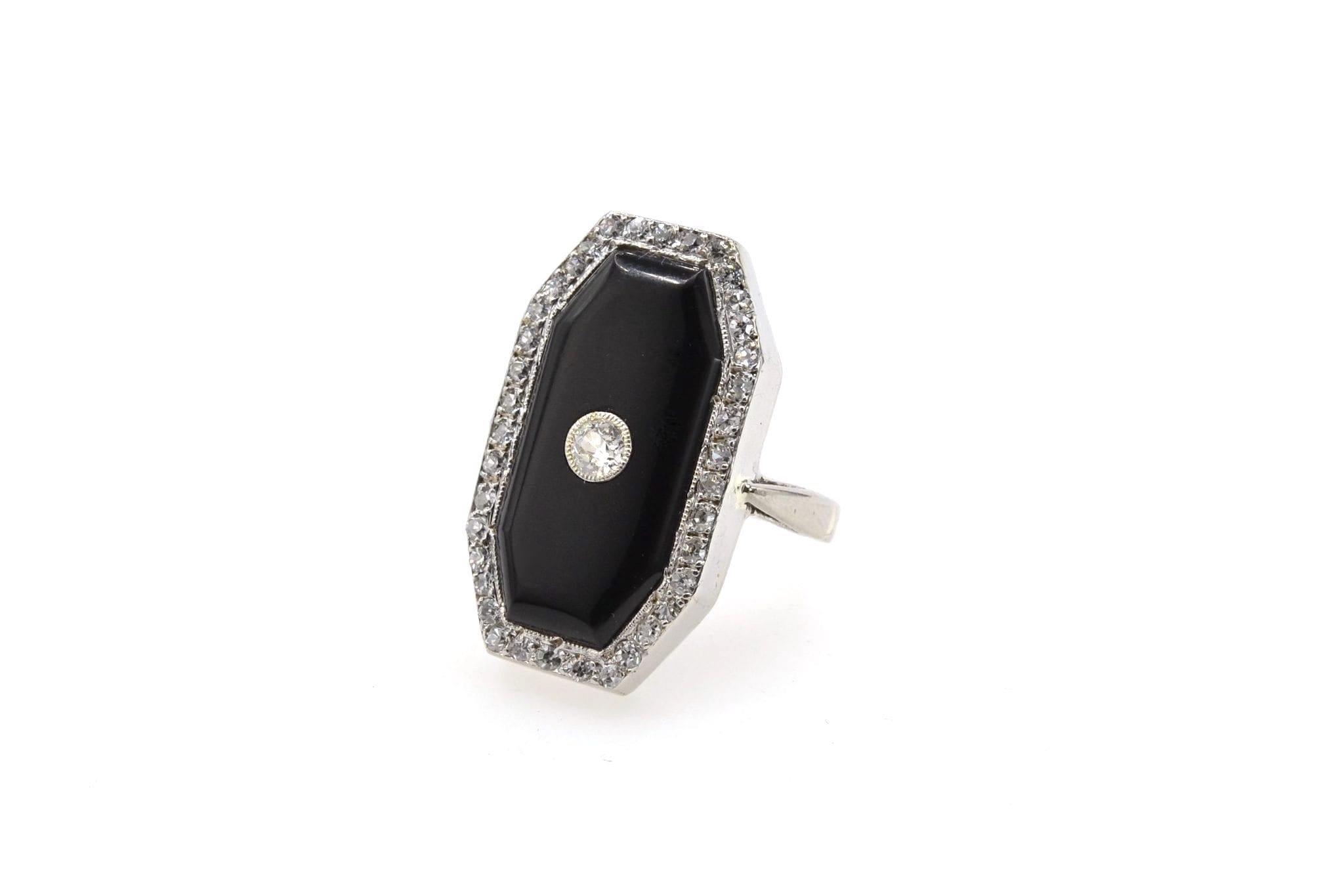 Bague onyx et diamants Art Déco en platine