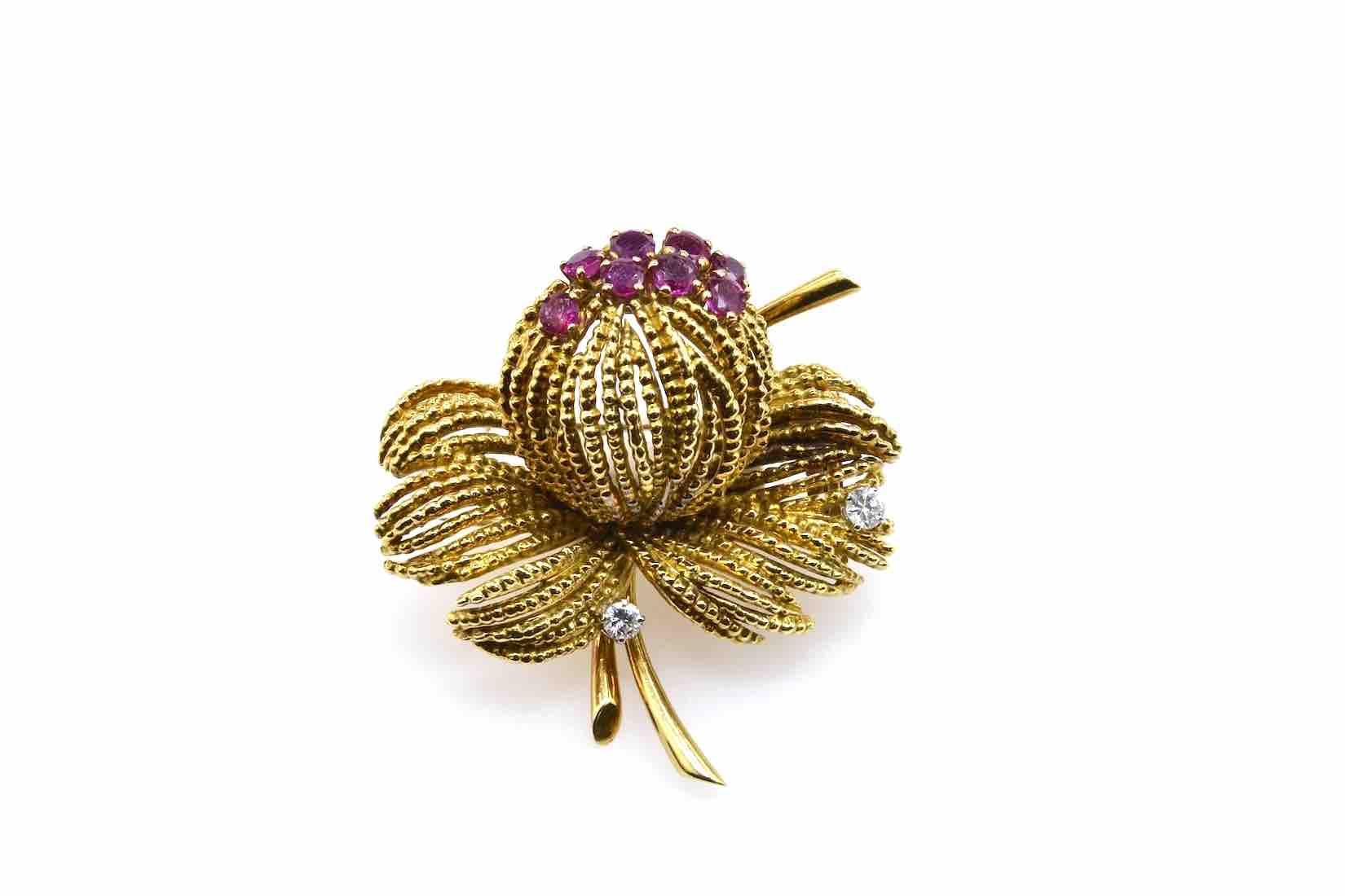 broche vintage rubis et diamants en or jaune 18k