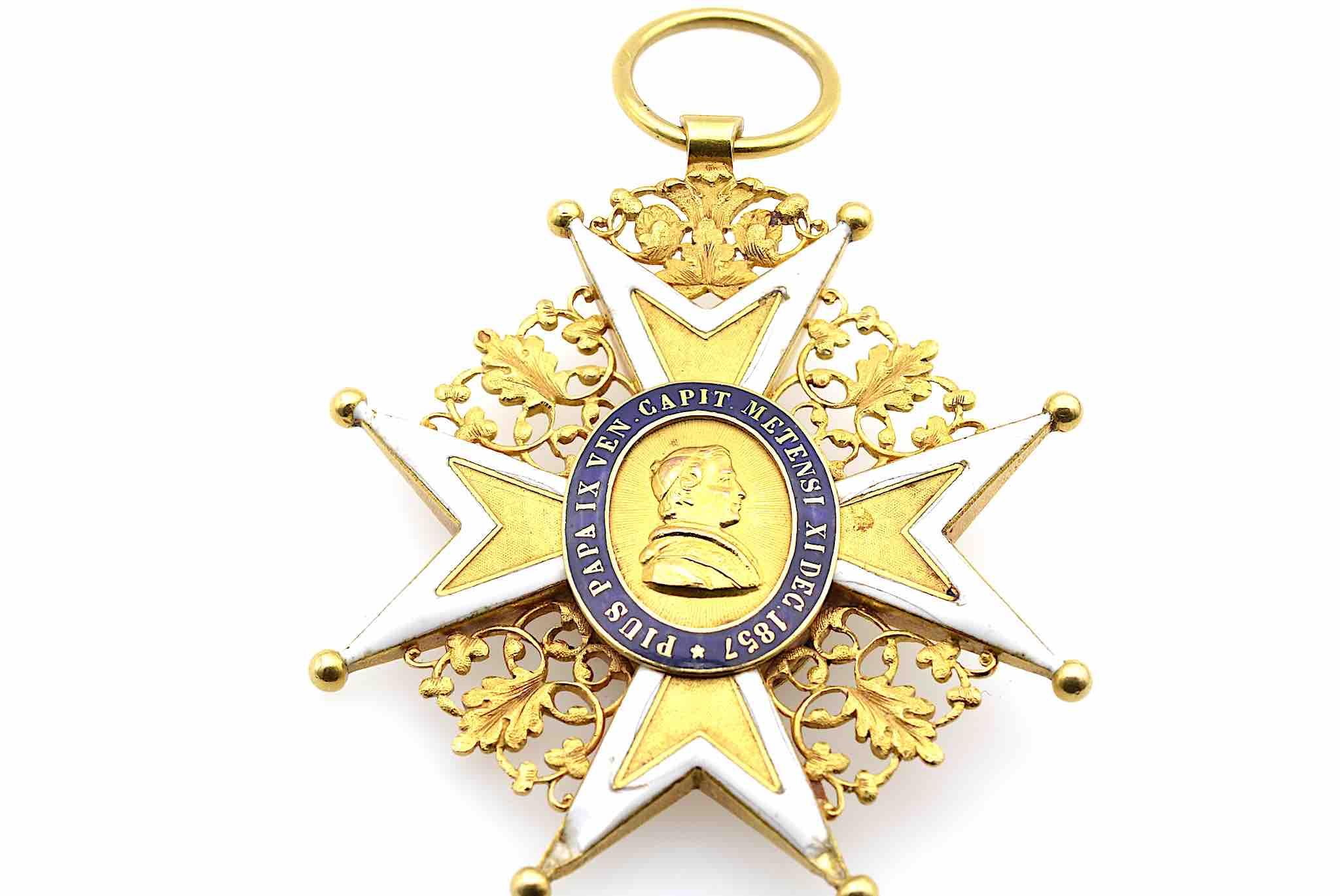Croix de chanoine du chapitre de Metz