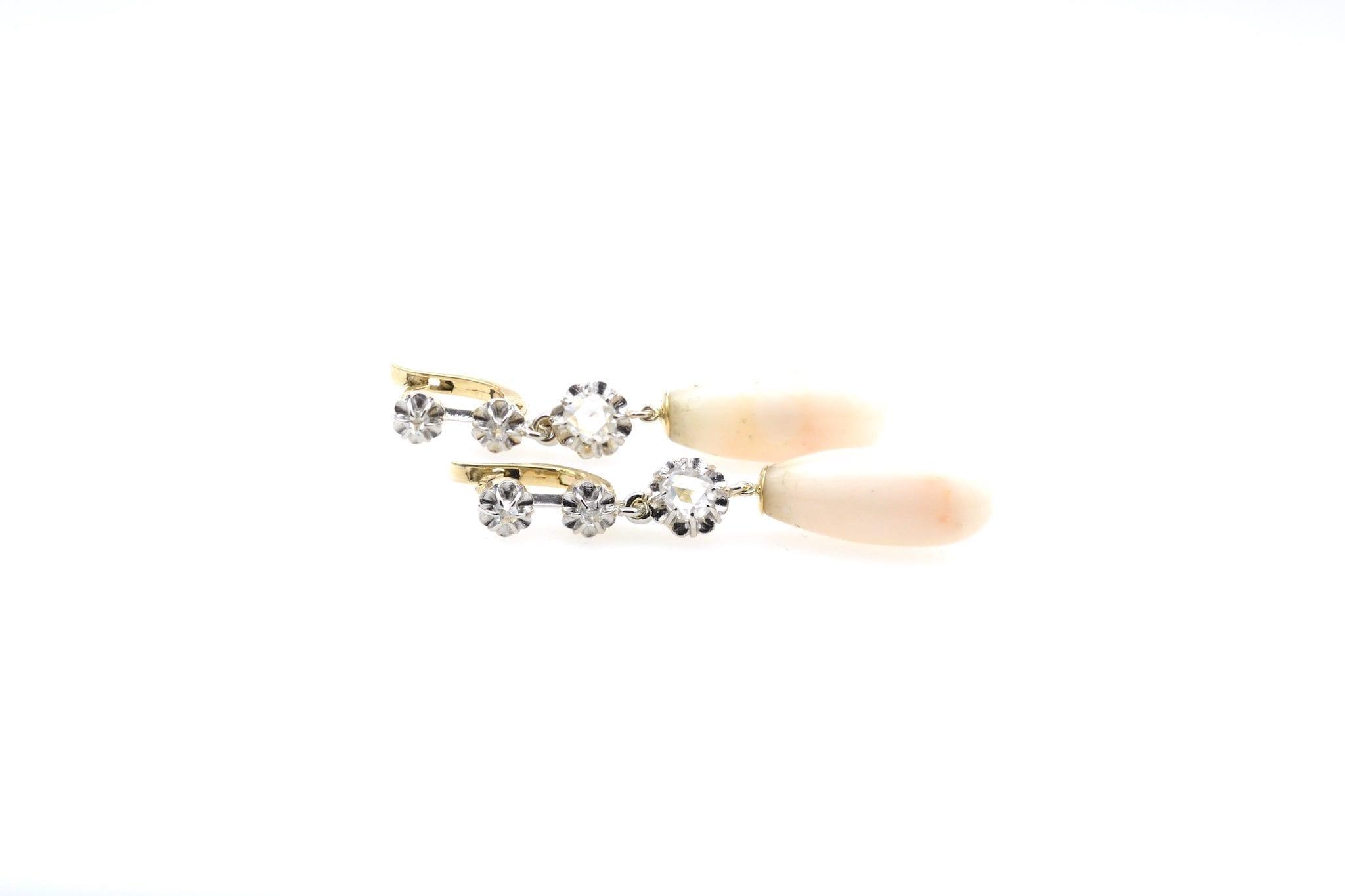 boucles d'oreilles roses de diamant