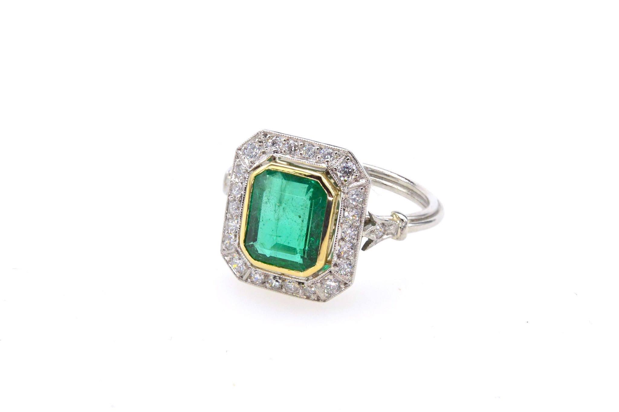 Bague émeraude diamants de style Art Déco