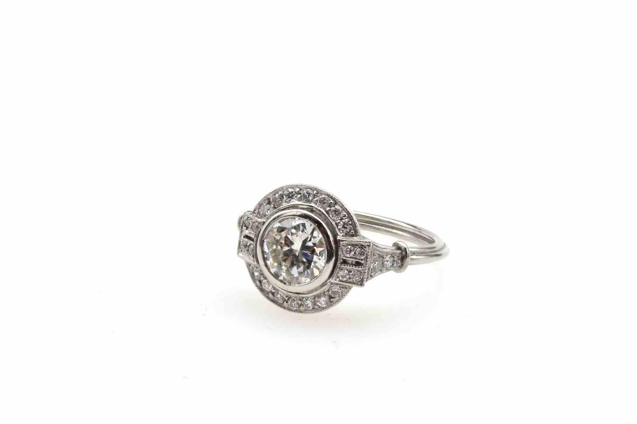 Bague ronde Art Déco diamants en platine