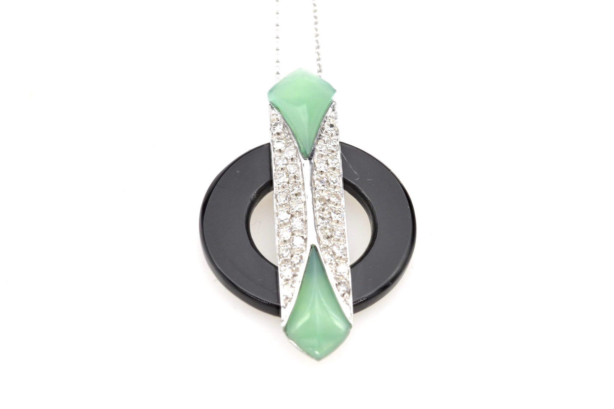 Collier pendentif jade onyx et diamants en or blanc 18k