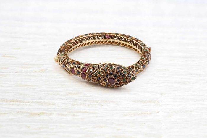 bracelet serpent pierres précieuses