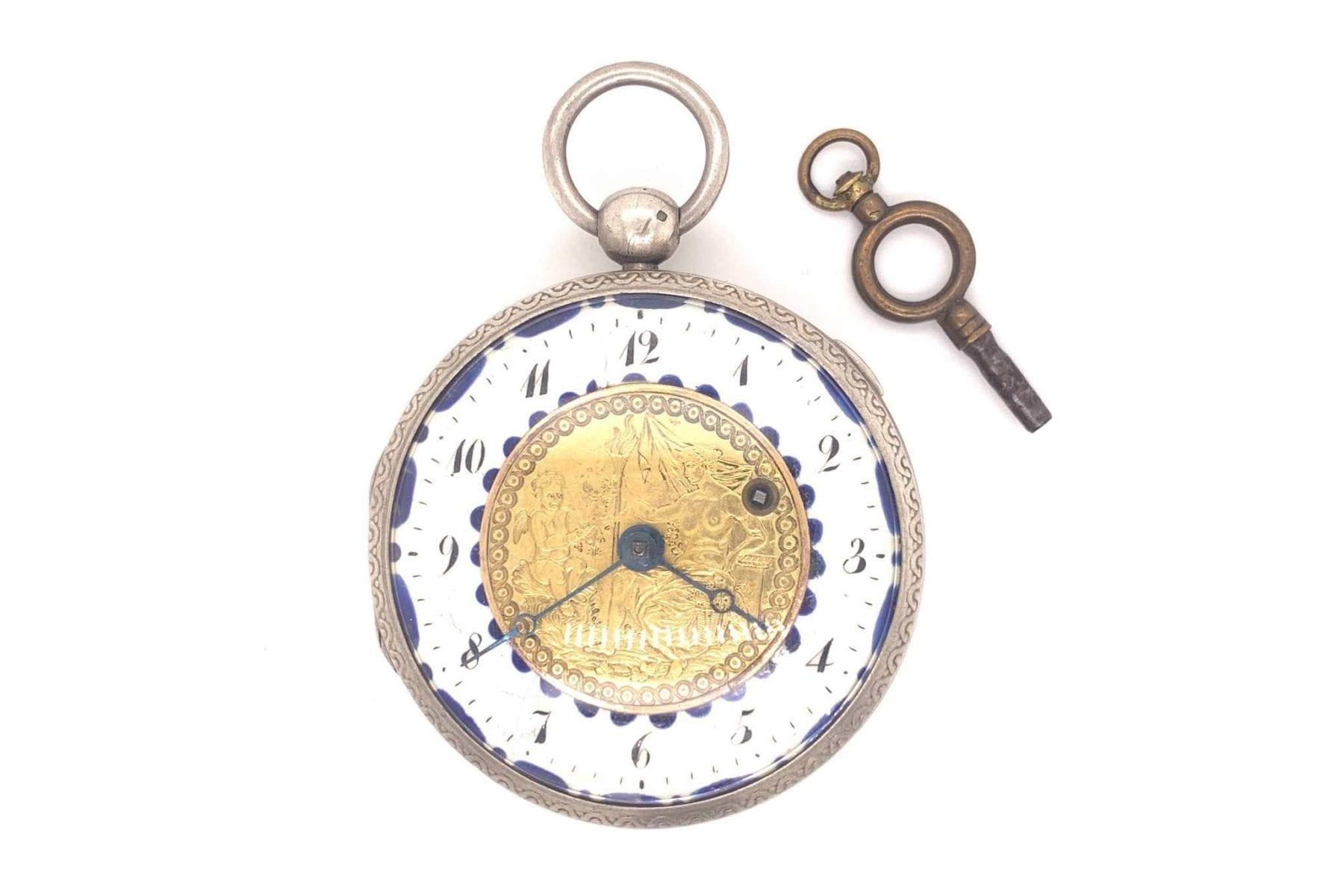 montre à coque en argent des années 1800
