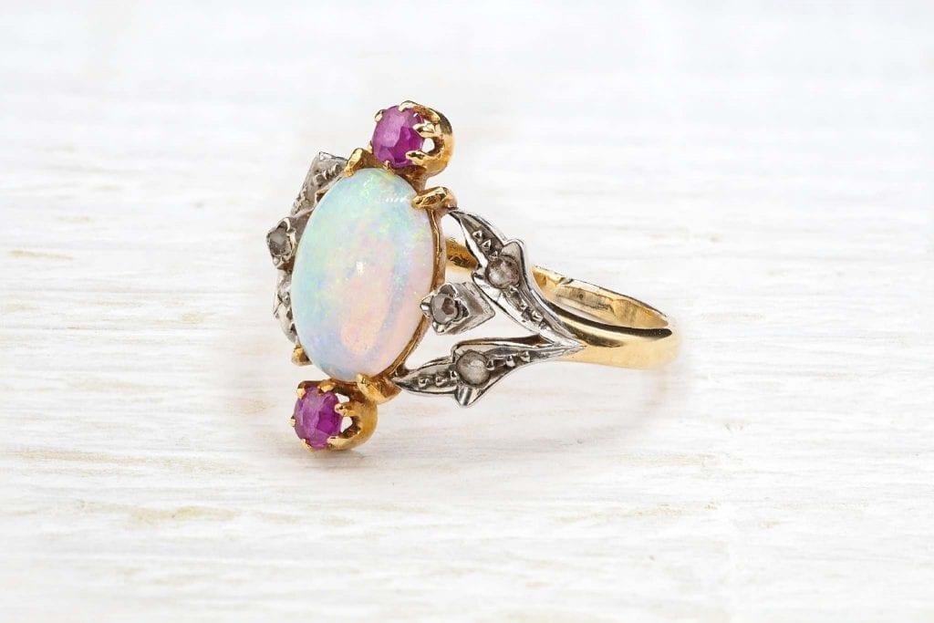 bague opale ancienne