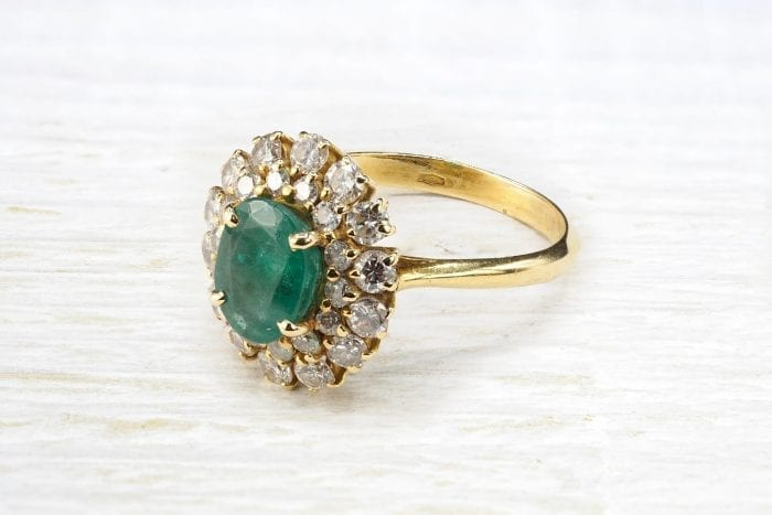 Bague émeraude et diamants en or jaune 18k