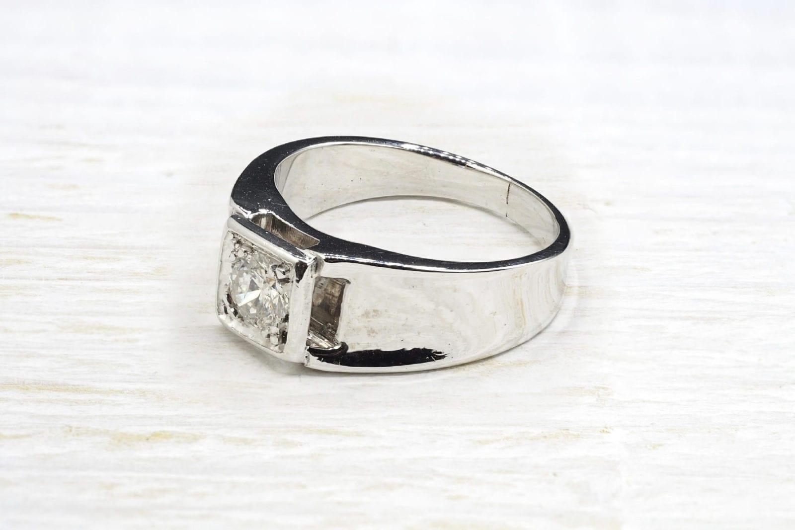 Bague chevalière diamant en or blanc 18k
