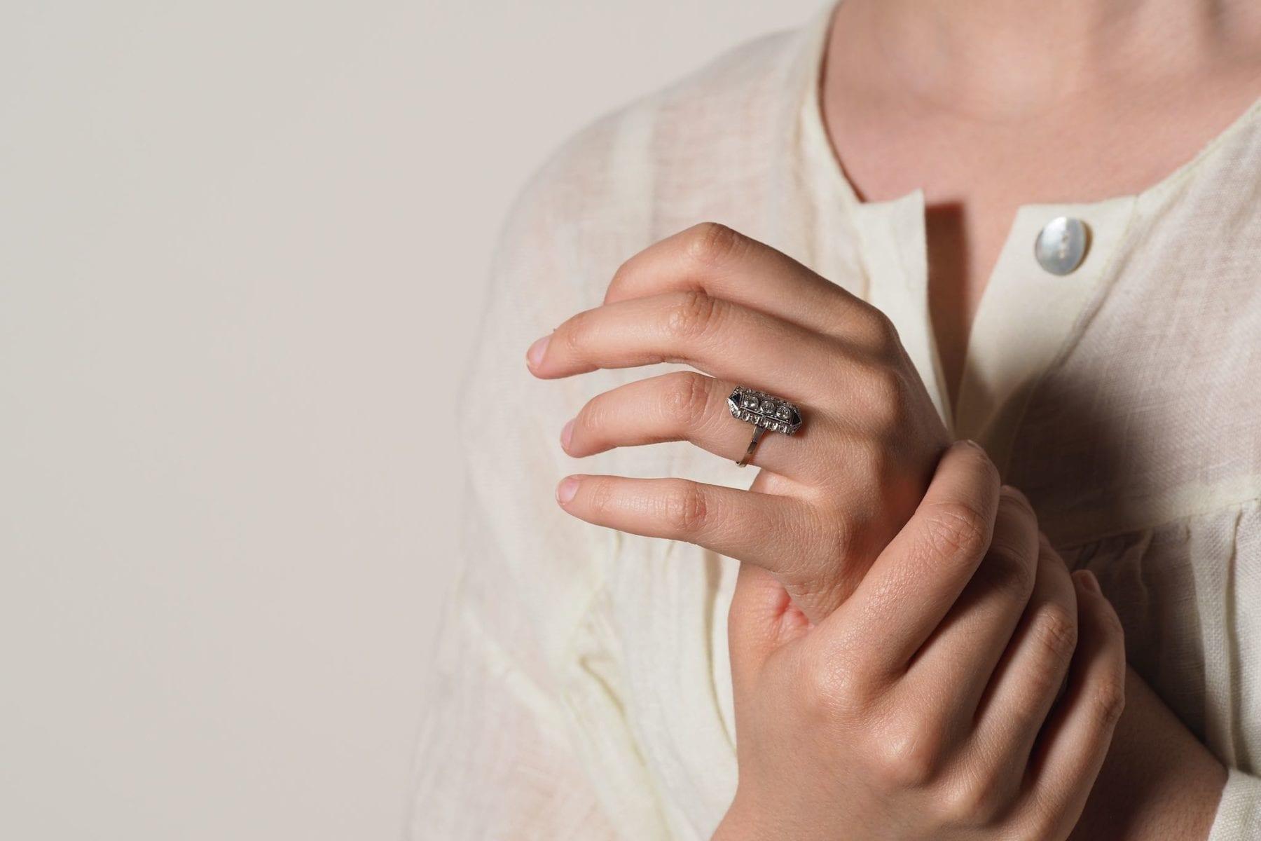 Bague art-déco diamants