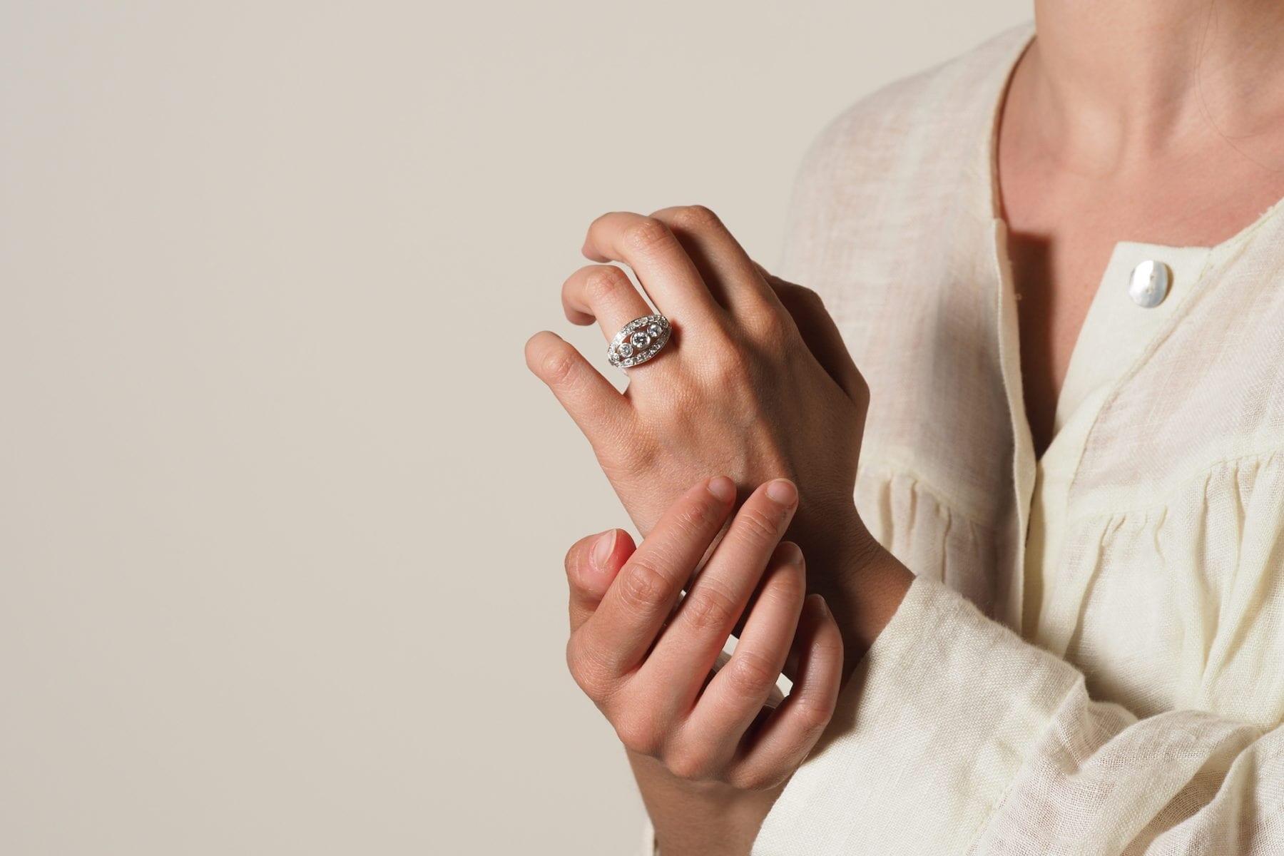 Bague diamants en or blanc 18k