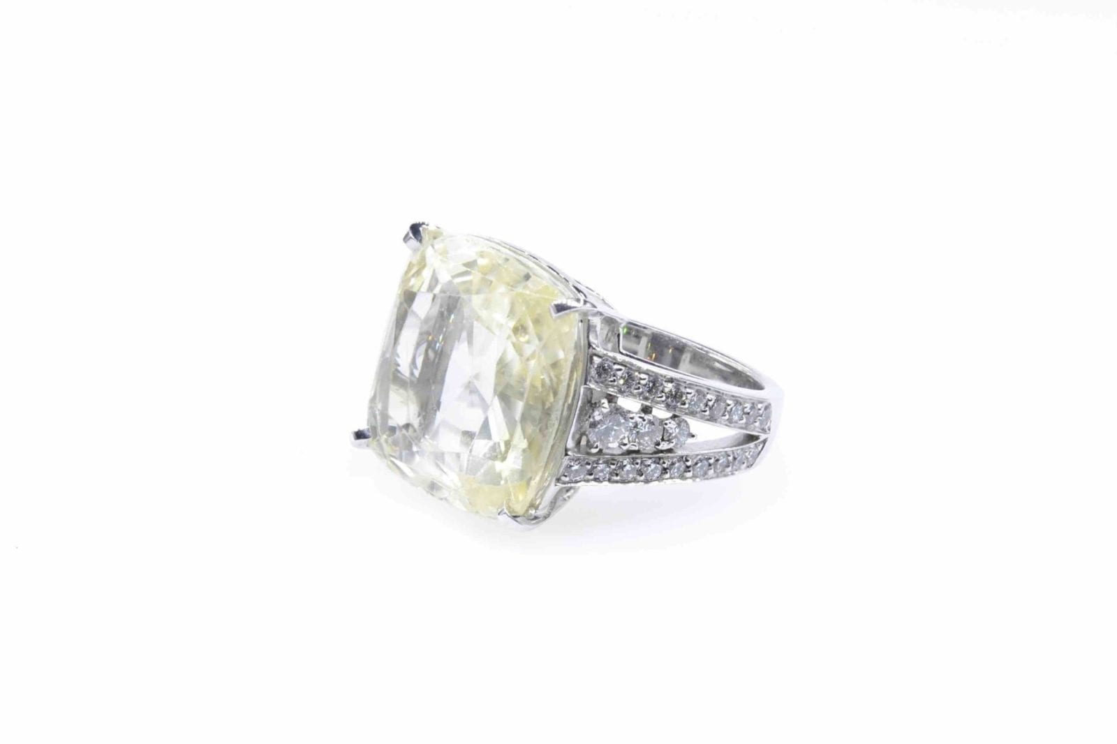bague vintage saphir jaune et diamants