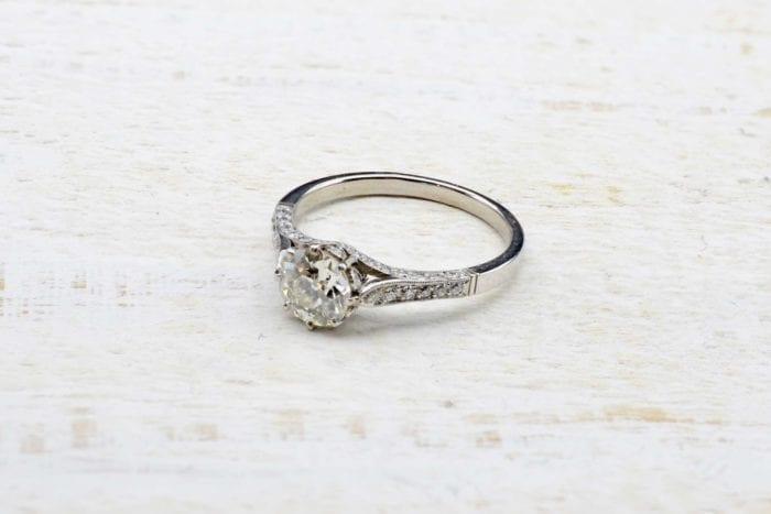 Bague solitaire diamant vintage en platine