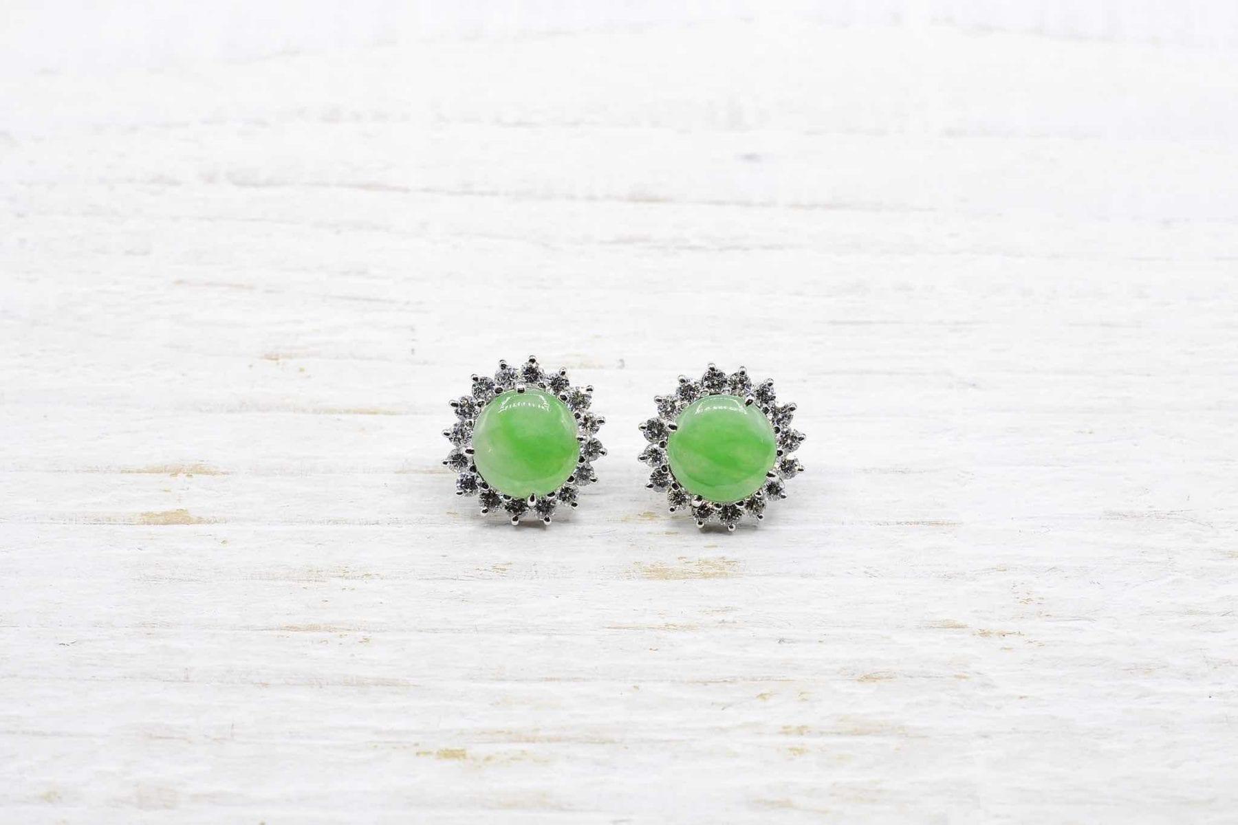 Boucles d'oreilles jade et diamants