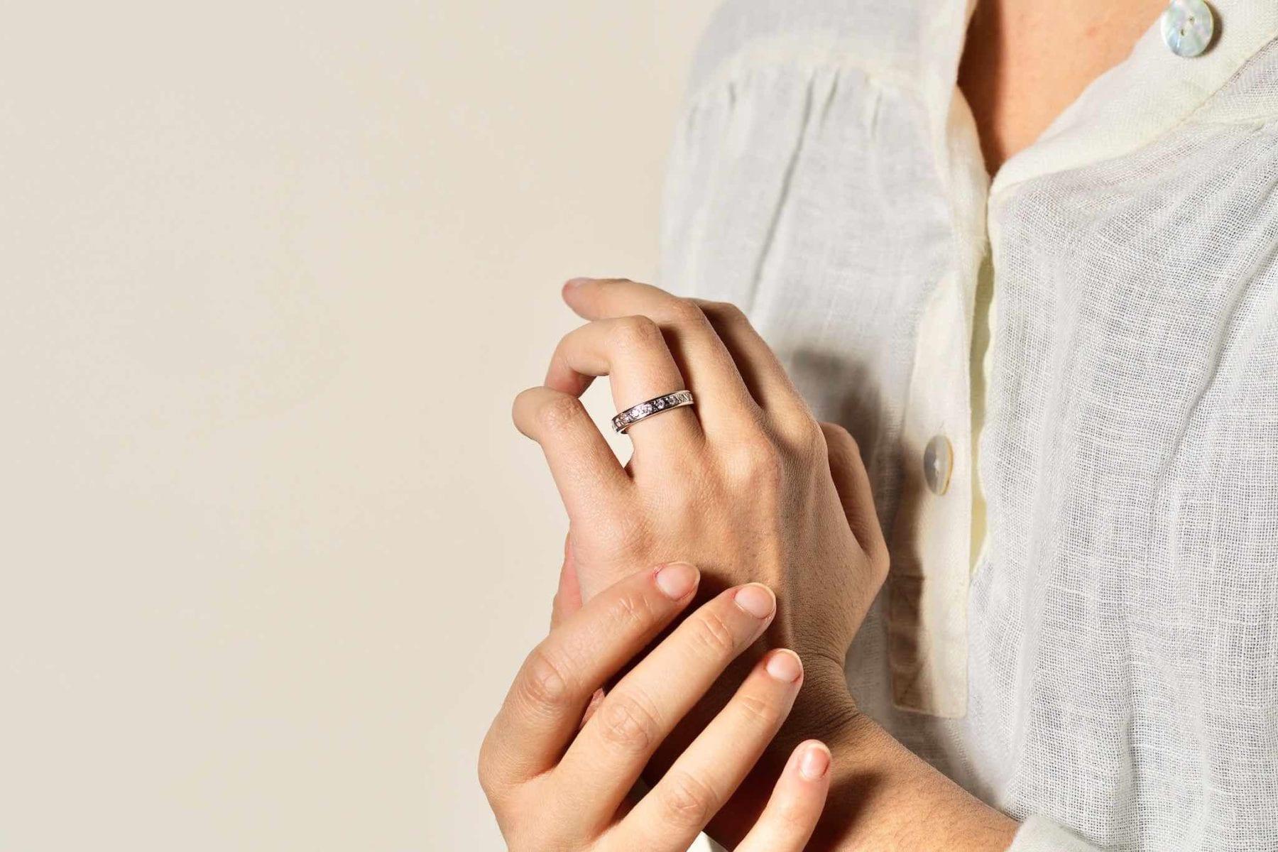 Alliance vintage diamants en or blanc 18k