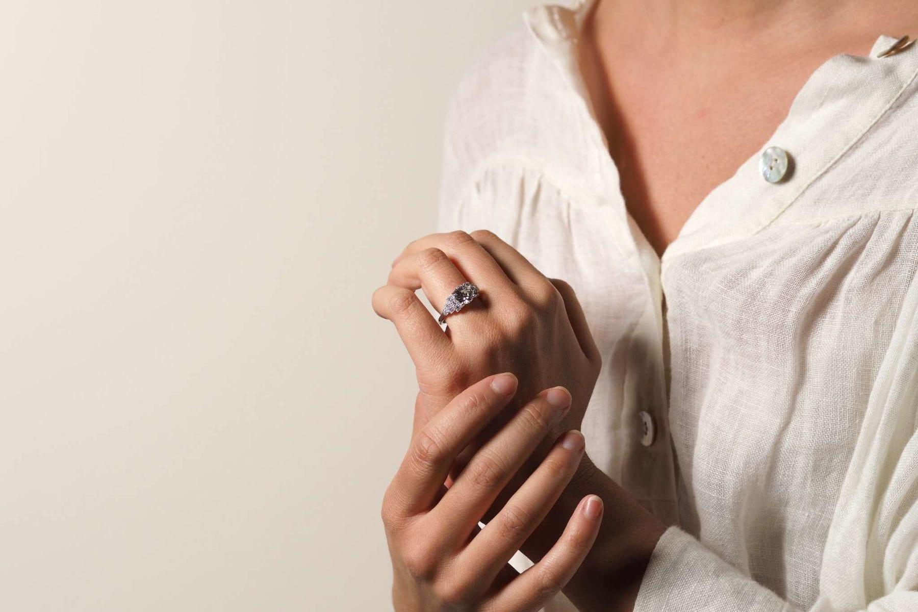 Bague diamant solitaire de style Art Déco