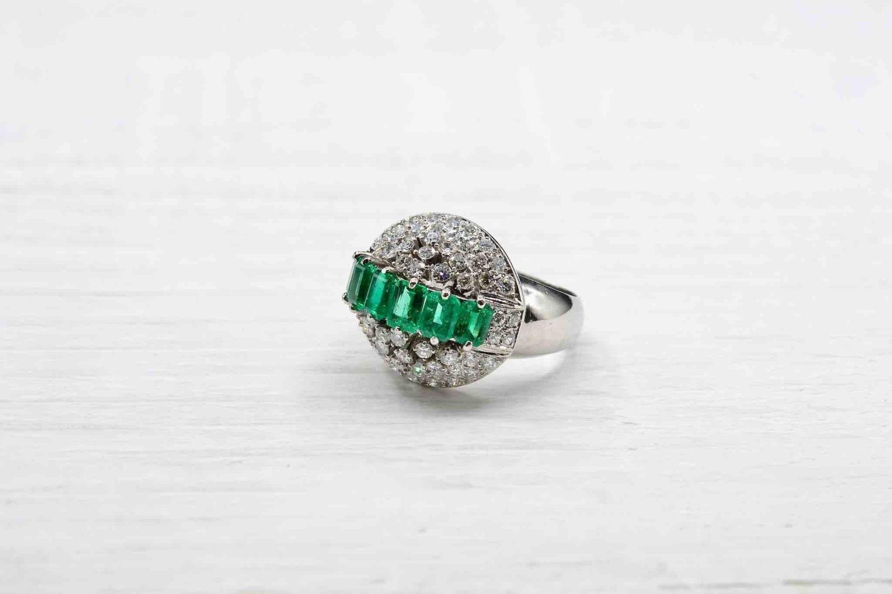 bague de fiançailles émeraude diamants