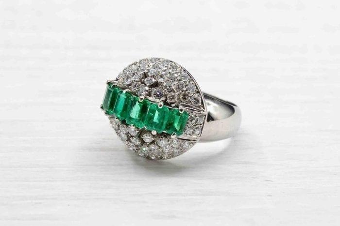 Bague 1950 émeraudes et diamants en platine