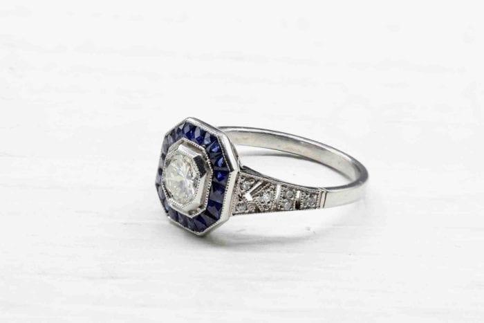 Bague Art Déco saphirs et diamant en platine