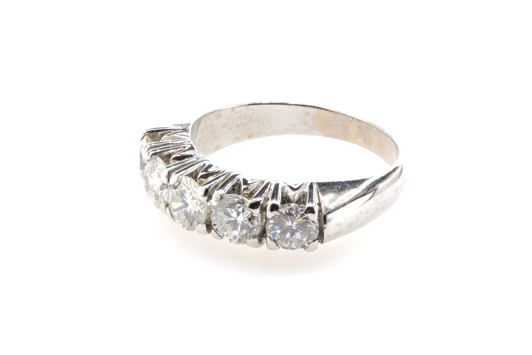 bague jarretiere diamants