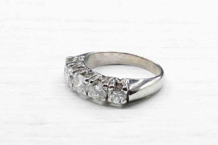 Bague jarretière diamants en platine