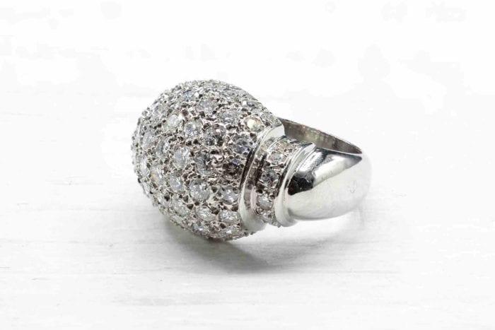 Bague dôme 1950 pavage diamants