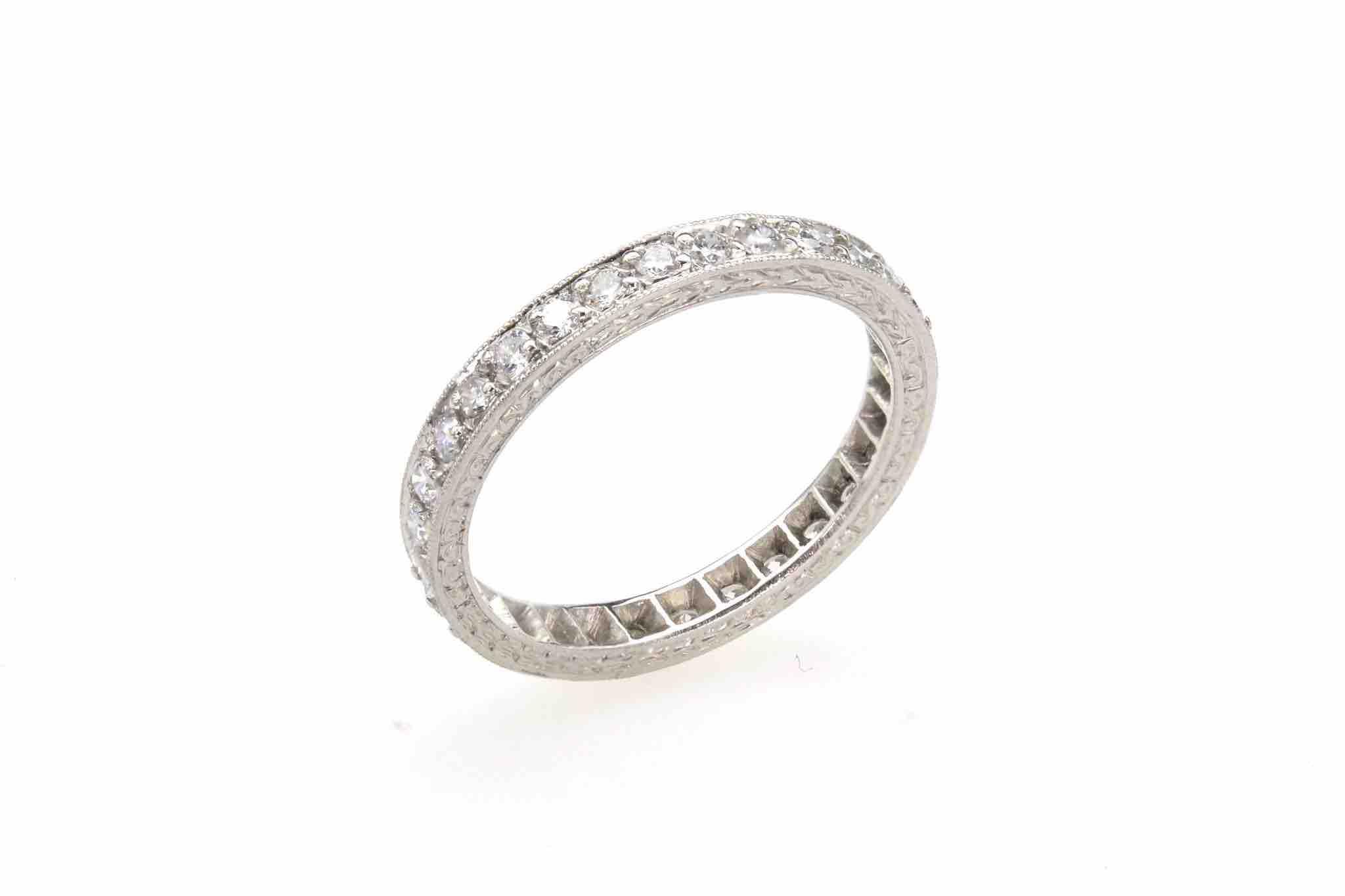 Alliance de création diamants en platine