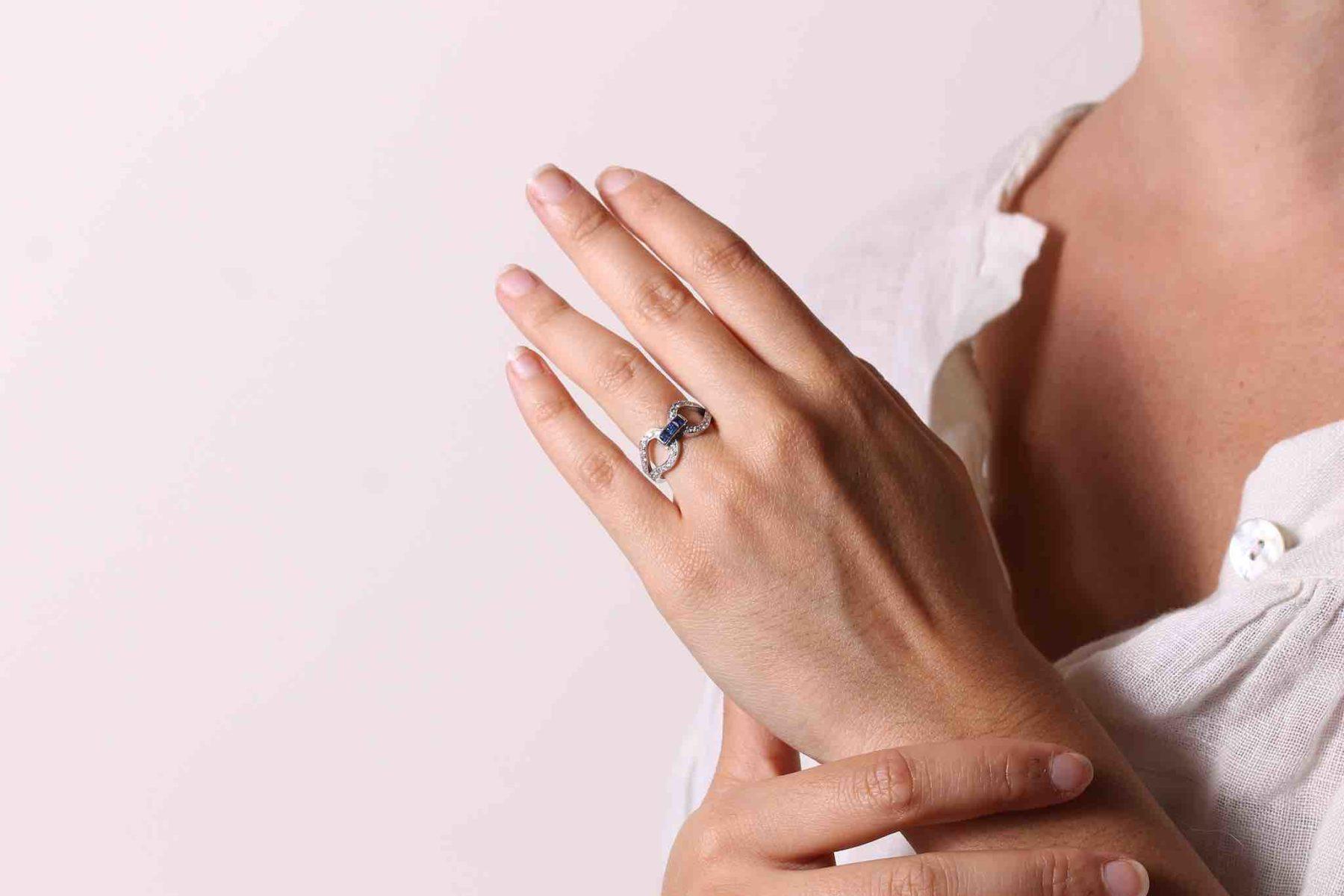 Bague saphirs diamants en or blanc 18k
