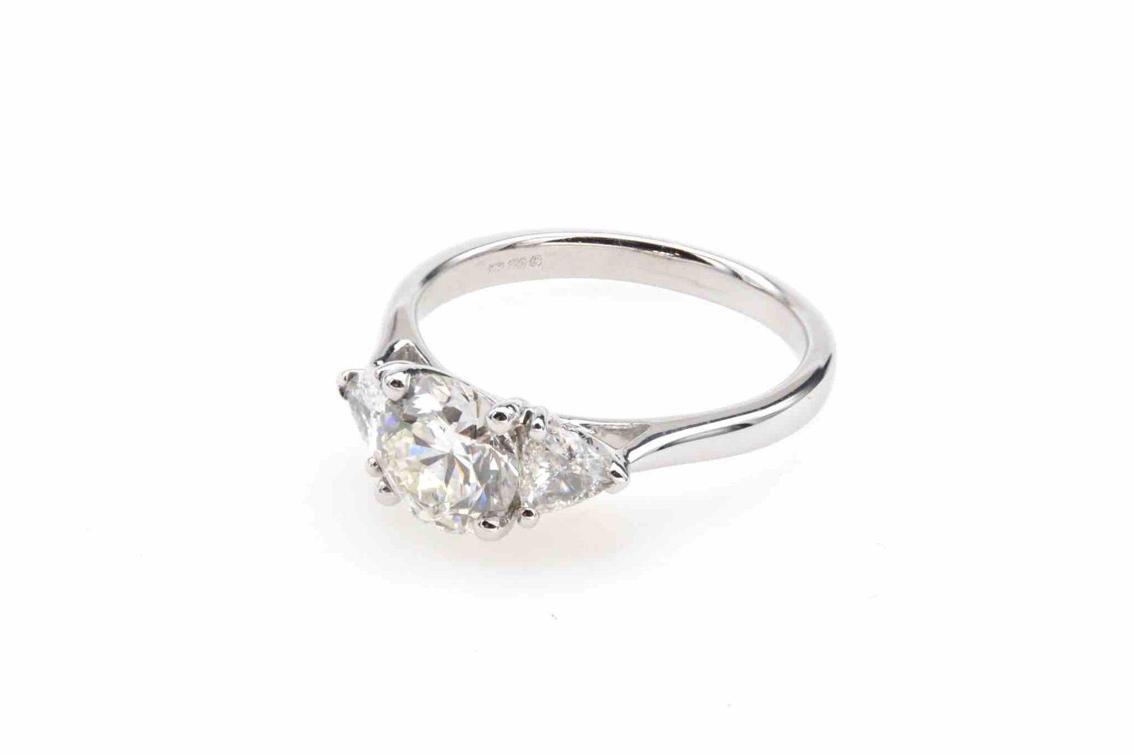 Bague diamant de 1,26 carats et triangles en or blanc 18k